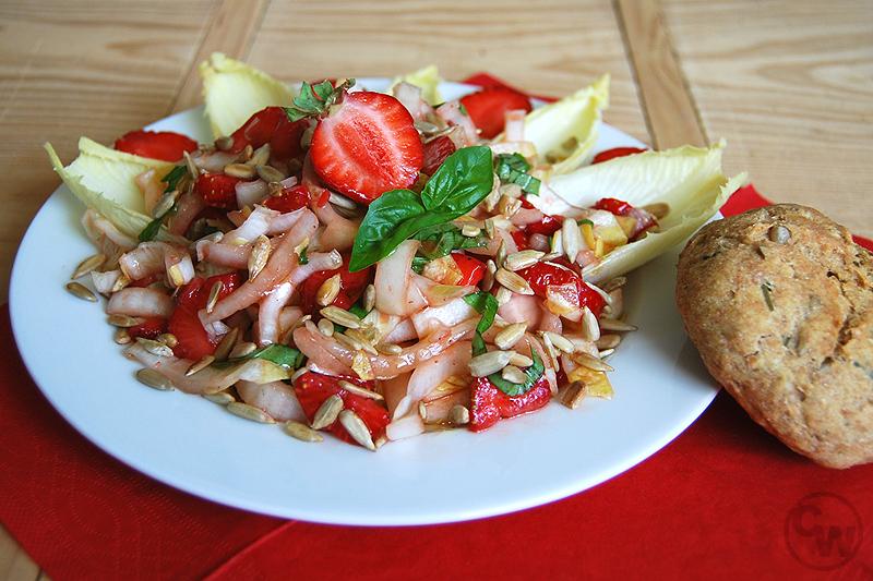 Erdbeer-Chicoree-Salat